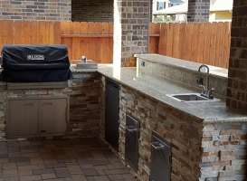 Personal-Touch-Landscape-Outdoor-Kitchen-f-2
