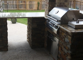 Personal-Touch-Landscape-Outdoor-Kitchen-j-2