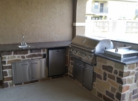Personal-Touch-Landscape-Outdoor-Kitchen-k-1
